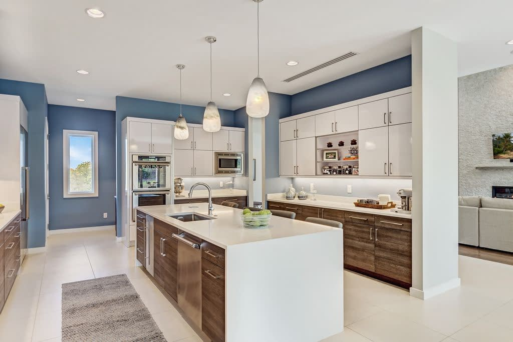 https://ml8umxs3iemf.i.optimole.com/w:auto/h:auto/q:auto/https://seanknightcustomhomes.com/wp-content/uploads/2019/10/Vozeh-Kitchen-2.jpg